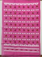 Розовое махровое полотенце с клубничками