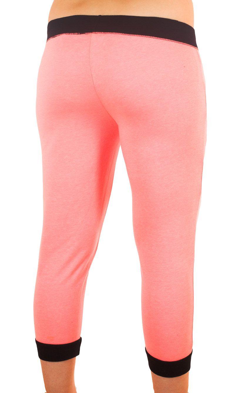 Розовые брючки капри Coco Limon для фитнес-тренинга - вид сзади