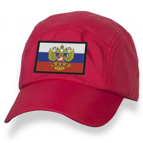 Русская бейсболка с вышитым флагом РФ.