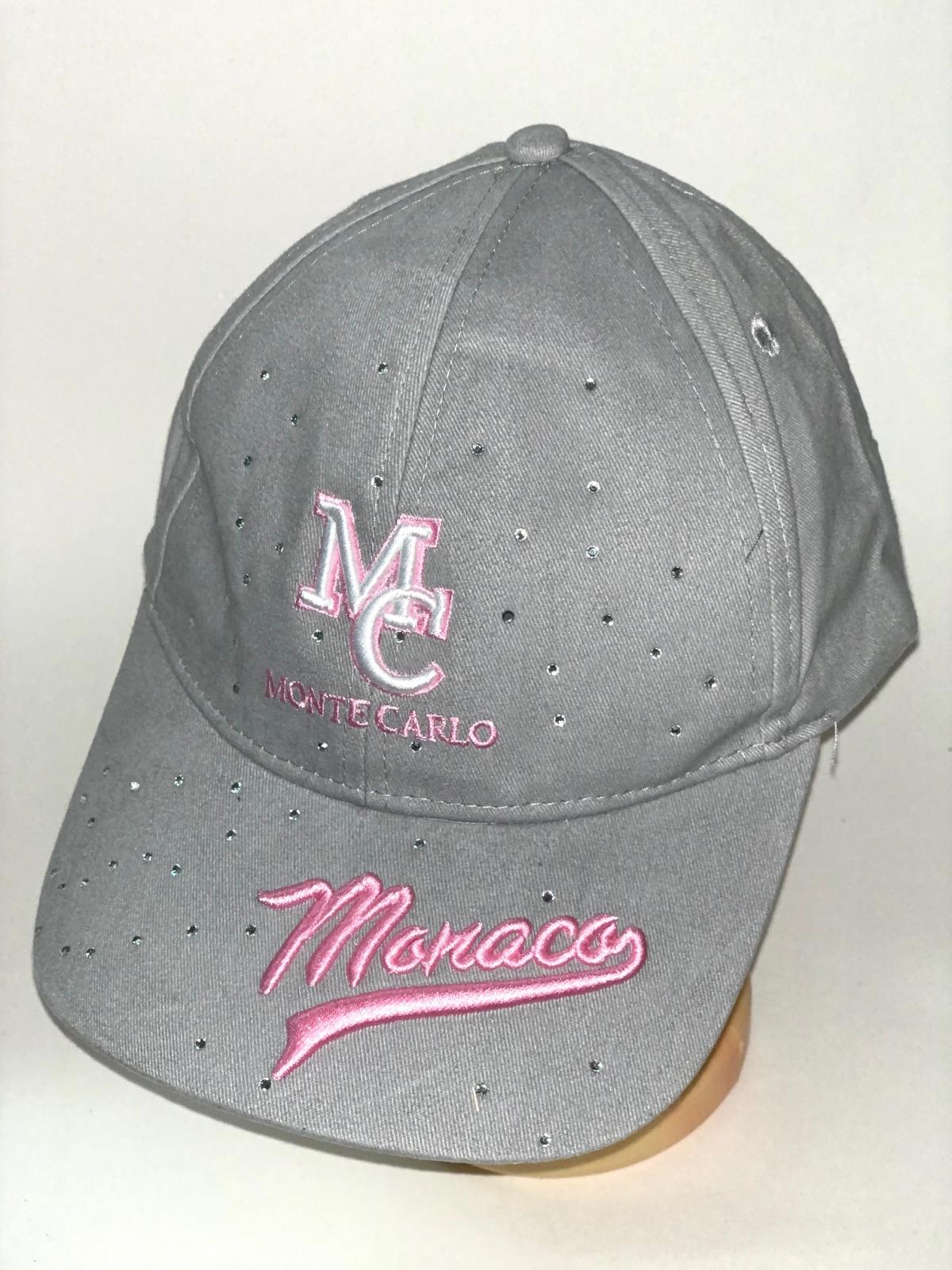 Серая бейсболка со стразами и розовой вышивкой