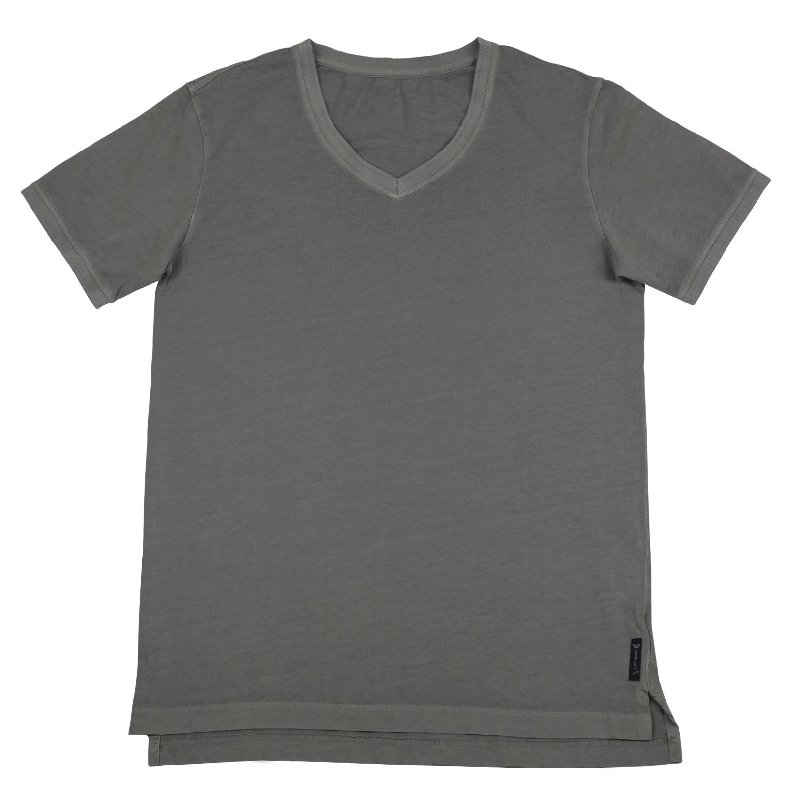 Серая мужская футболка из хлопка. Модель модной длины с V-образным вырезом