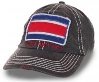 Серая мужская кепка с нашивкой независимой Коста-Рики. Контрастные строчки, стильные потёртости, плотный материал