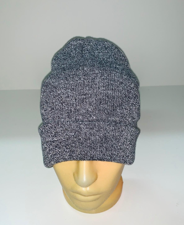Серая неповторимая шапка