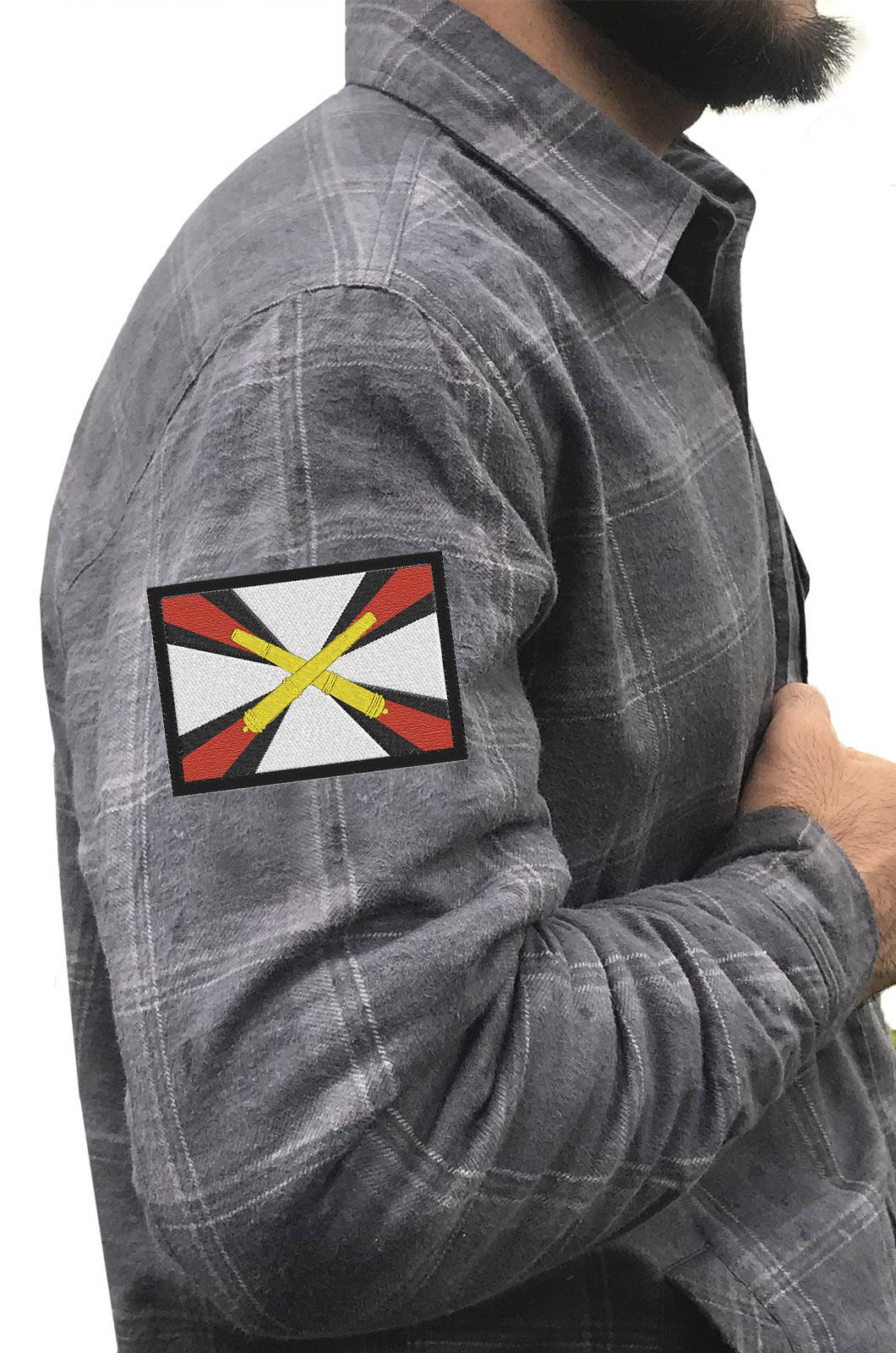 Серая рубашка с вышитым шевроном  Артиллерия России - заказать в розницу