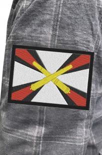 Серая рубашка с вышитым шевроном  Артиллерия России - заказать по низкой цене