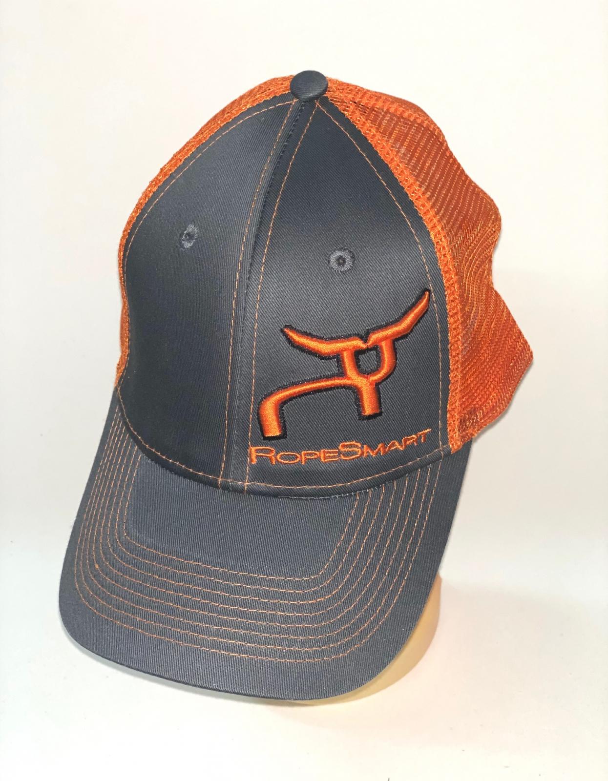 Серо-оранжевая бейсболка с вышивкой RopeSmart