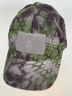 Серо-зеленая бейсболка камуфляж с серой прямоугольной нашивкой