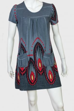 Серое платье с ярким принтом от Kruebeck