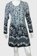 Серое струящееся платье с черным принтом