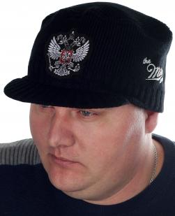 Черная шапка-кепка от ТМ the Miller Way для современных мужчин. ТОЛЬКО ЗДЕСЬ – патриотическая серия головных уборов с гербом России. Хватит игнорировать холод!