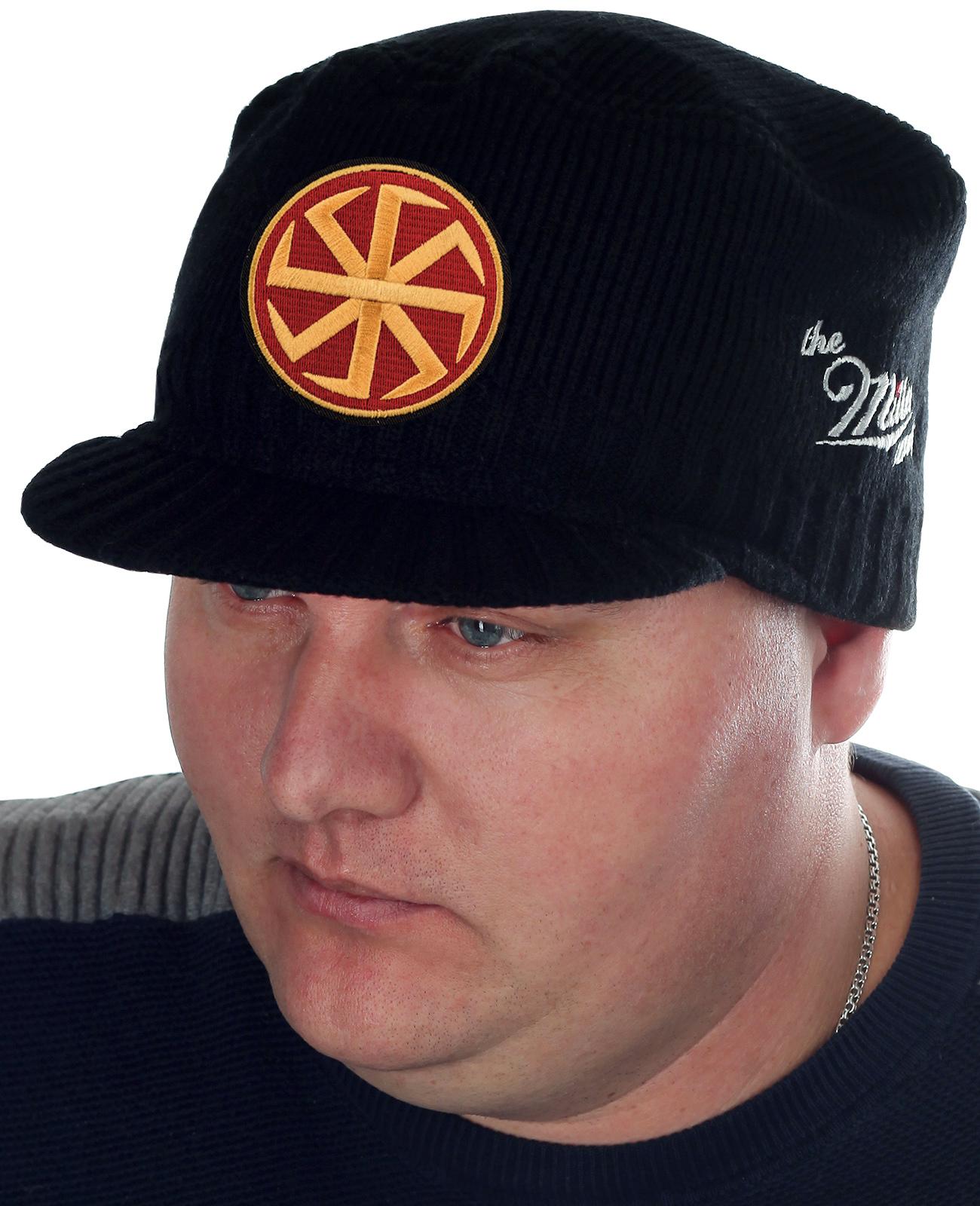 Эффектная мужская шапка-кепка Miller Way с главным славянским символом-оберегом – Коловратом. Будь стильным и представительным, не тратя огромных сумм