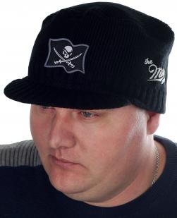 Классная мужская шапка-кепка Miller Way с оригинальной нашивкой в виде Пиратского Флага. Хватит отказывать себе в удобных и стильных вещах!