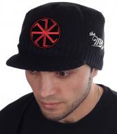 Чёрная шапка Miller Way с козырьком и нашивкой Коловрат