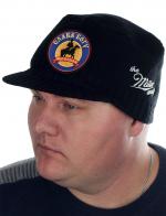 Современная мужская шапка-кепка Miller Way. Осенне-зимняя модель с яркой нашивкой «Слава Богу, МЫ – казаки!». Плотная вязка защищает от холода, а козырек от ветра и осадков