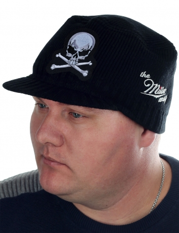 Мужская вязаная шапка Miller Way с Адамовой головой