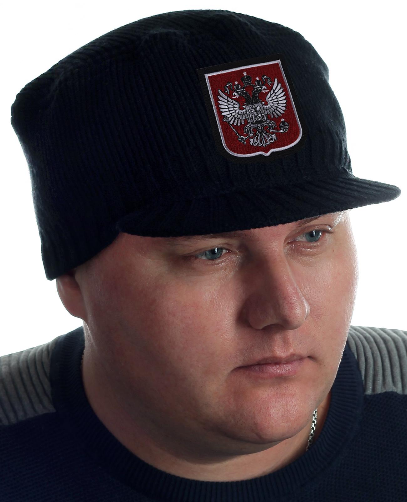 Купить брендовую вязаную кепку в интернет магазине. Продажа по всей России