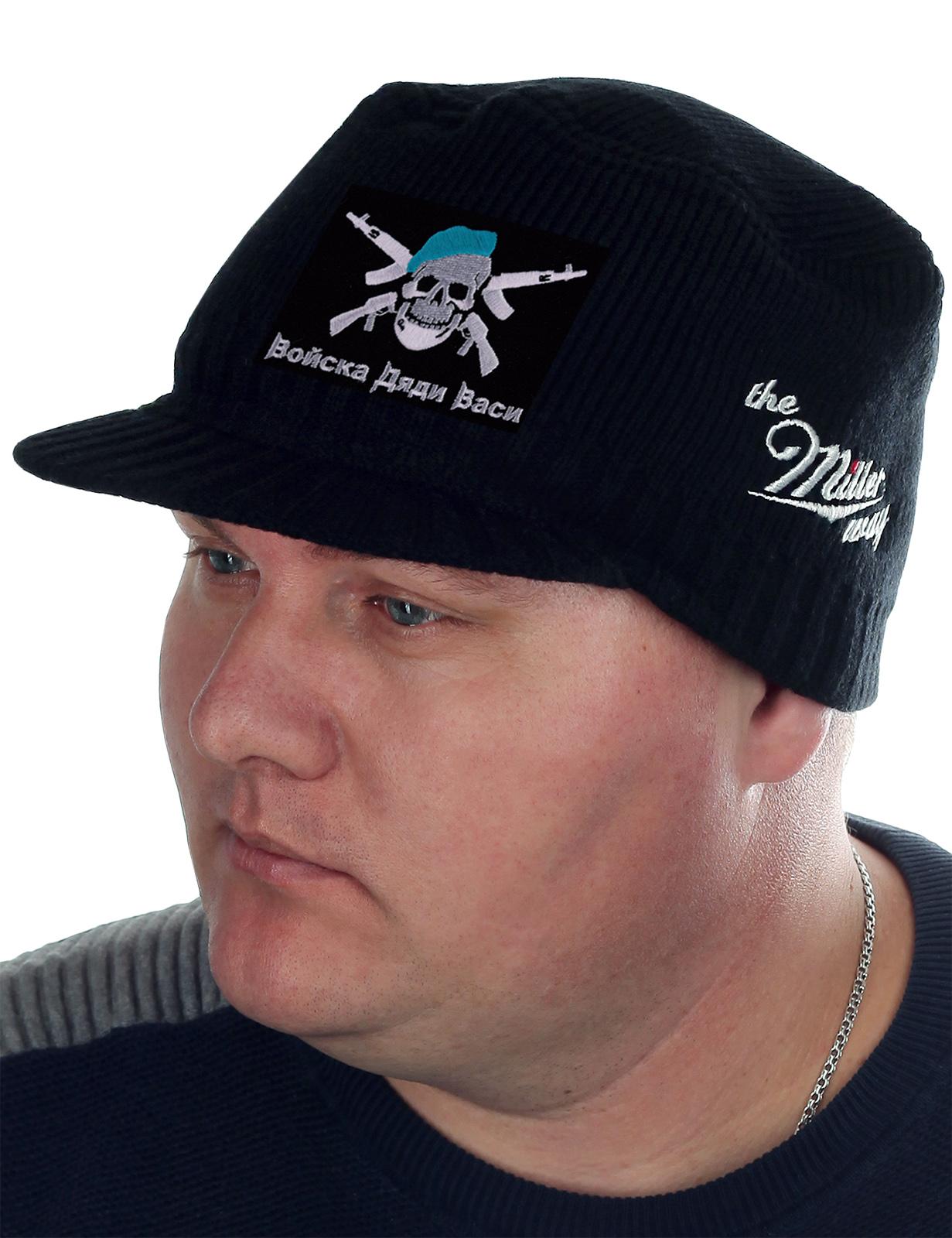 Купить черную мужскую шапку с символикой ВДВ
