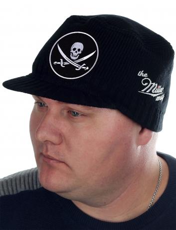 Стильная мужская шапка от бренда Miller Way. Недорогая, но теплая и удобная кепка в пиратско-байкерском дизайне. ХИТ ПРОДАЖ в Москве и других городах России. Крутой подарок!