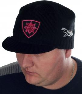 Мужская шапка The Miller Way с символом Сварога – Бога, который защищает, наставляет и оберегает славян. Эта модель поможет создать правильный образ даже холодной зимой