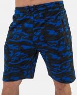Свободные мужские шорты до уровня колен – тренд от New York Athletics.