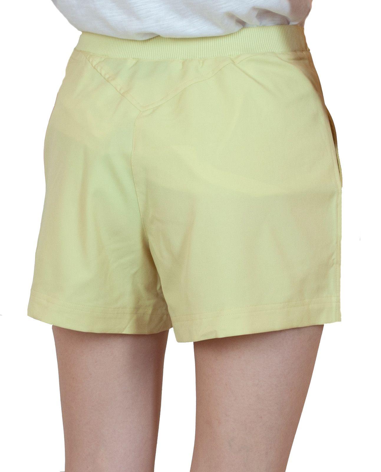 Шортики для женщин лимонного цвета - вид сзади