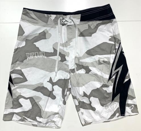 Шорты летние мужские от бренда RIP CURL камуфляжные