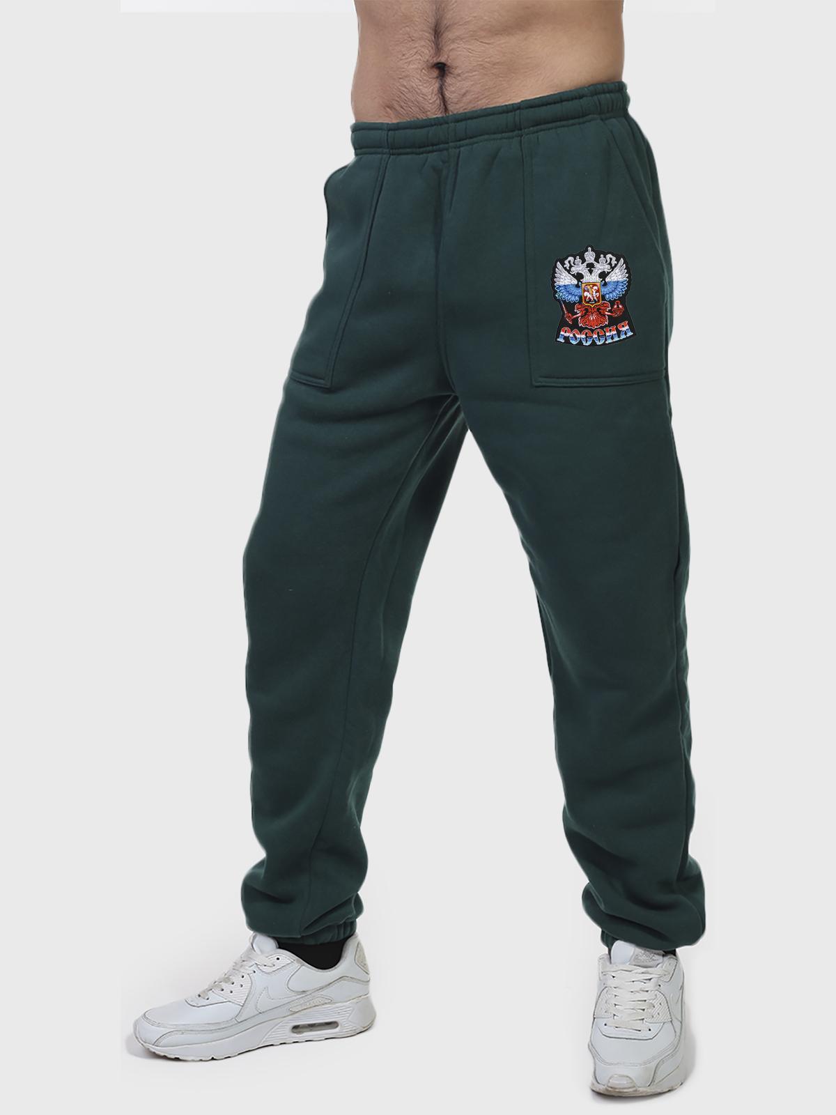 Флисовые спортивные штаны с шевроном РОССИЯ и удобными карманами