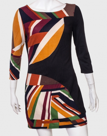 Силуэтное притягательное платье от AMIE