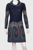 Силуэтное трикотажное платье.