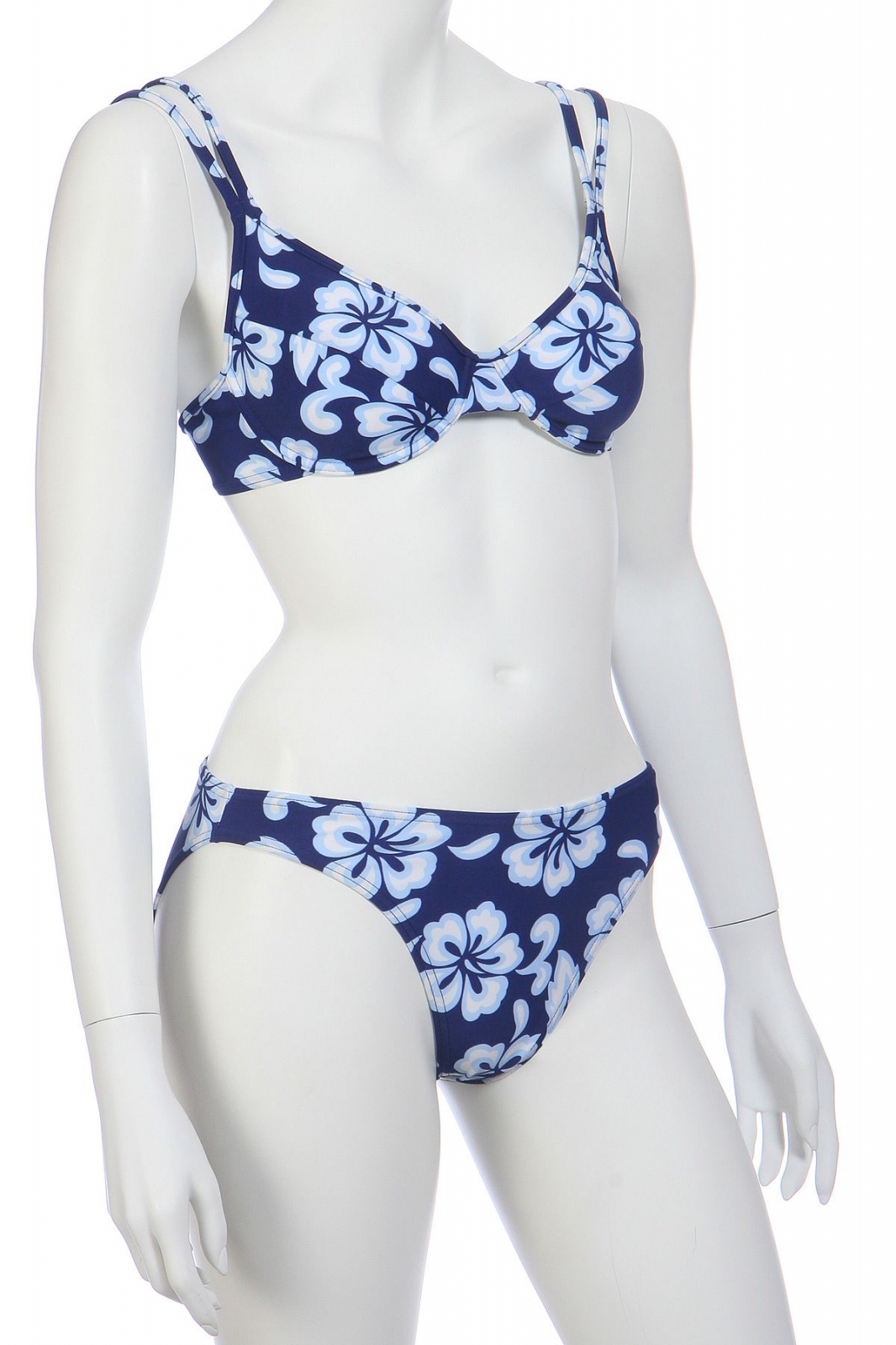 Синий купальник с белыми цветами
