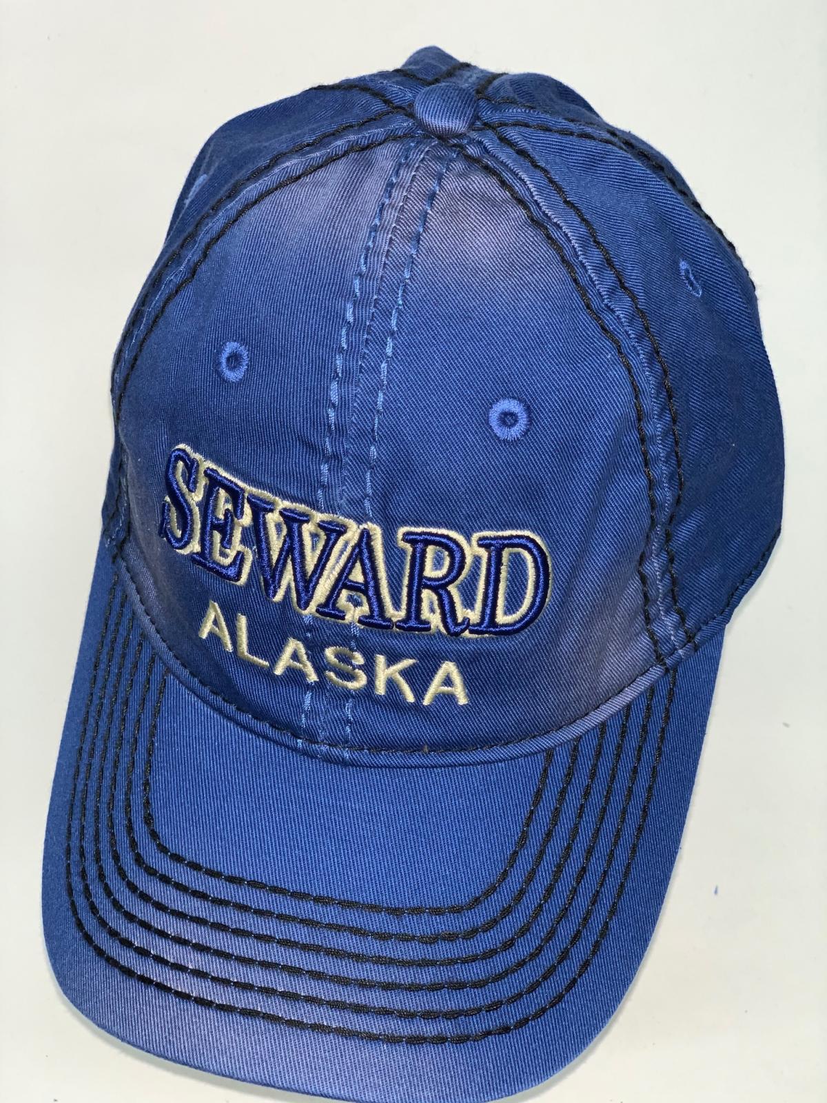 Синяя бейсболка Alaska простроченная черной контрастной нитью