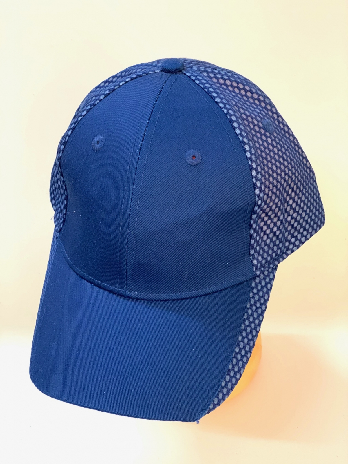 Синяя бейсболка классического кроя
