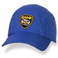 Синяя мужская бейсболка с вышивкой ВМФ.
