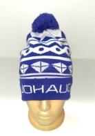 Синяя шапка с белым орнаментом и помпоном
