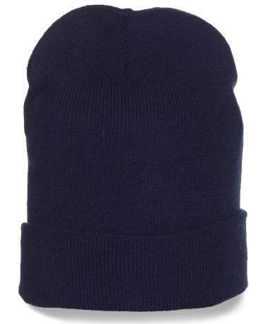 Синяя шапка с подворотом - модная удлиненная модель