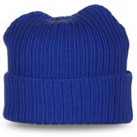 Вязаная синяя шапка с подворотом – осенне-зимний вариант