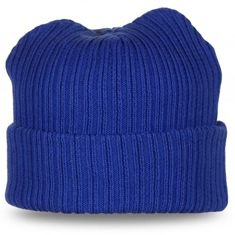Синяя шапка с подворотом
