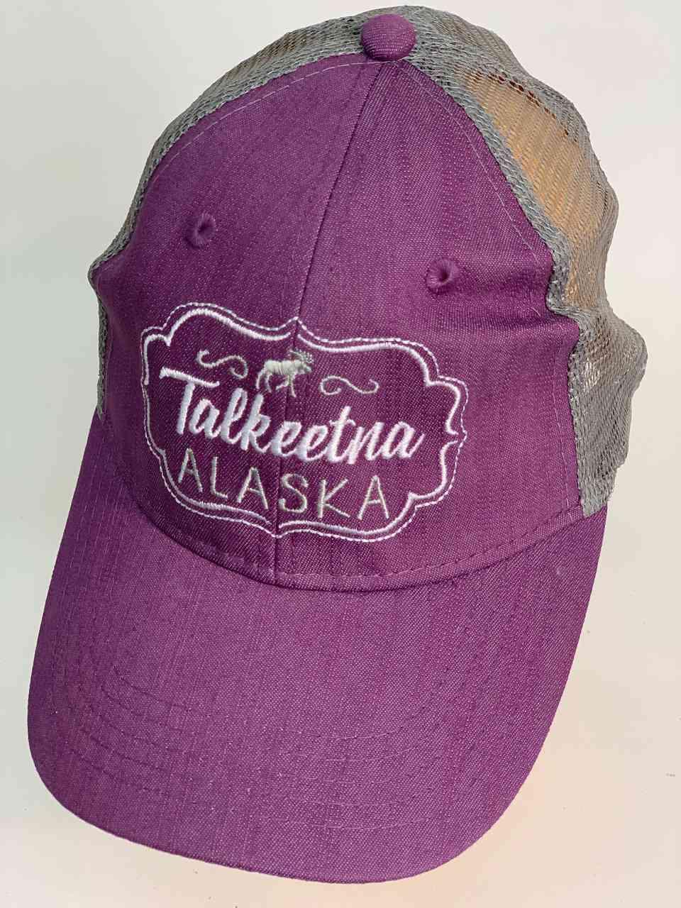 Сиреневая бейсболка с сеткой Talkeetna Alaska