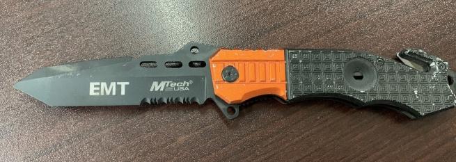 Складной нож EMT Tac-Force с оранжево-черной рукоятью