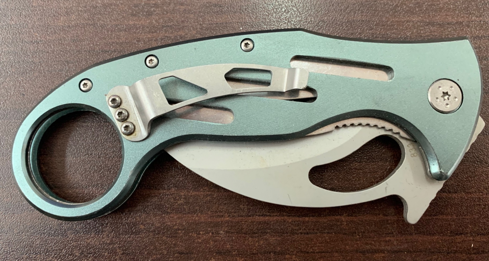 Складной нож-керамбит Haller со светлой рукояткой