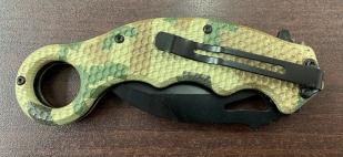 Складной нож-керамбит с камуфлированной рукояткой