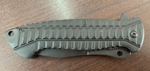 Складной нож со стропорезом и удобной рукоятью