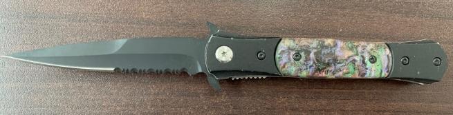 Складной нож-стилет с радужной накладкой на рукояти и стропорезом