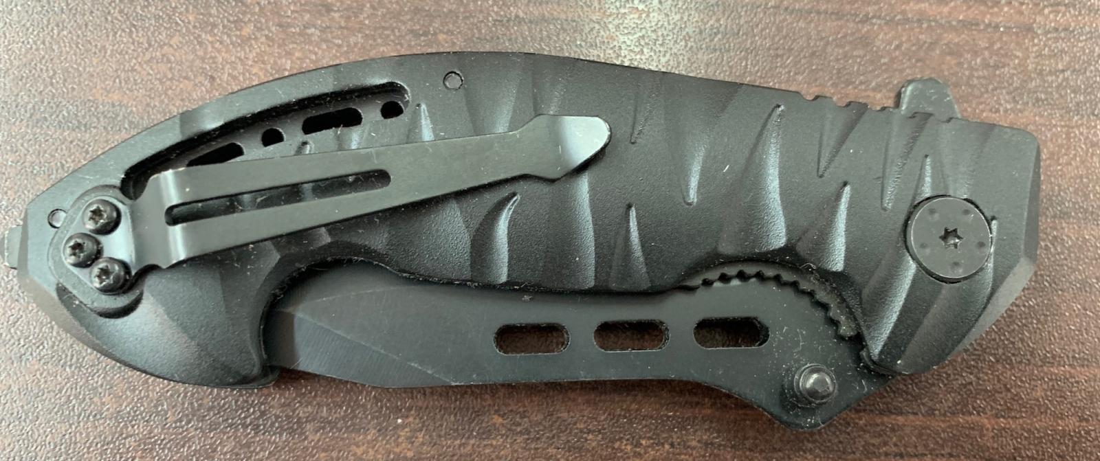 Складной тактический нож Cold Steel с долами и удобной рукоятью