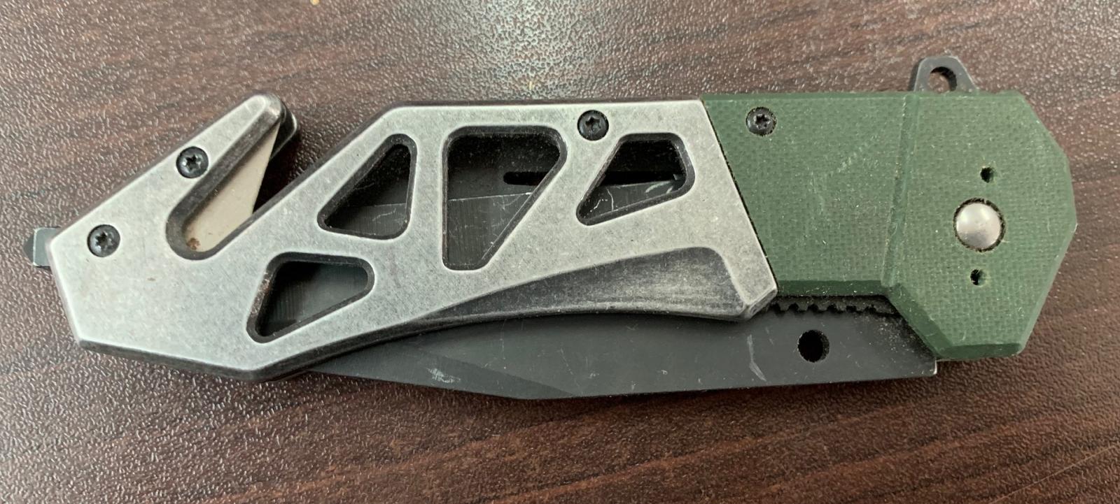 Складной тактический нож с оригинальной рукоятью