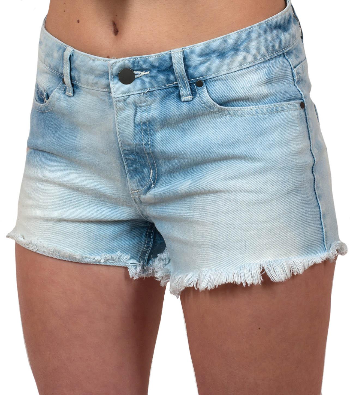 Смелые шорты для девушек