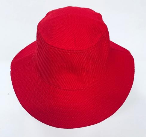 Сочная летняя панама красного цвета