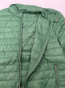 Сочно-зеленая мужская куртка