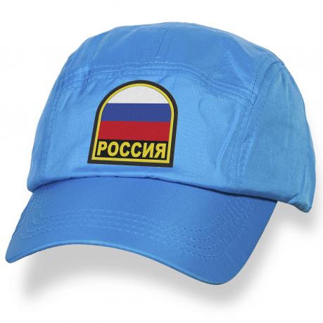 Современная бейсболка с нашивкой Россия.