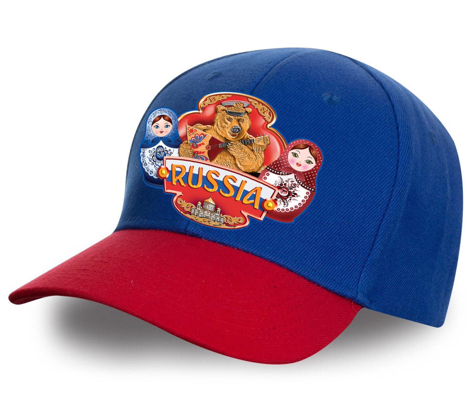 """Современная бейсболка """"Russia"""" красно-синего цвета с эффектным принтом. Модель - хит сезона! Заказывай скорее, пока не разобрали!"""